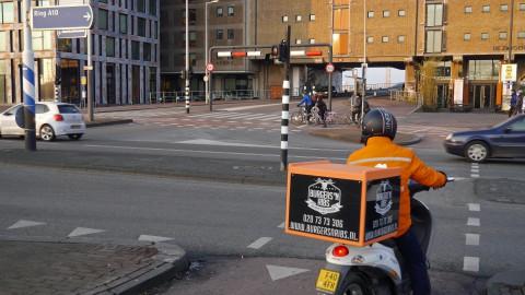 Alle 6 rotondes op de Burgemeester Kasteleinweg open voor verkeer