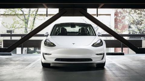 Steeds groter brandgevaar elektrische auto's in parkeergarages